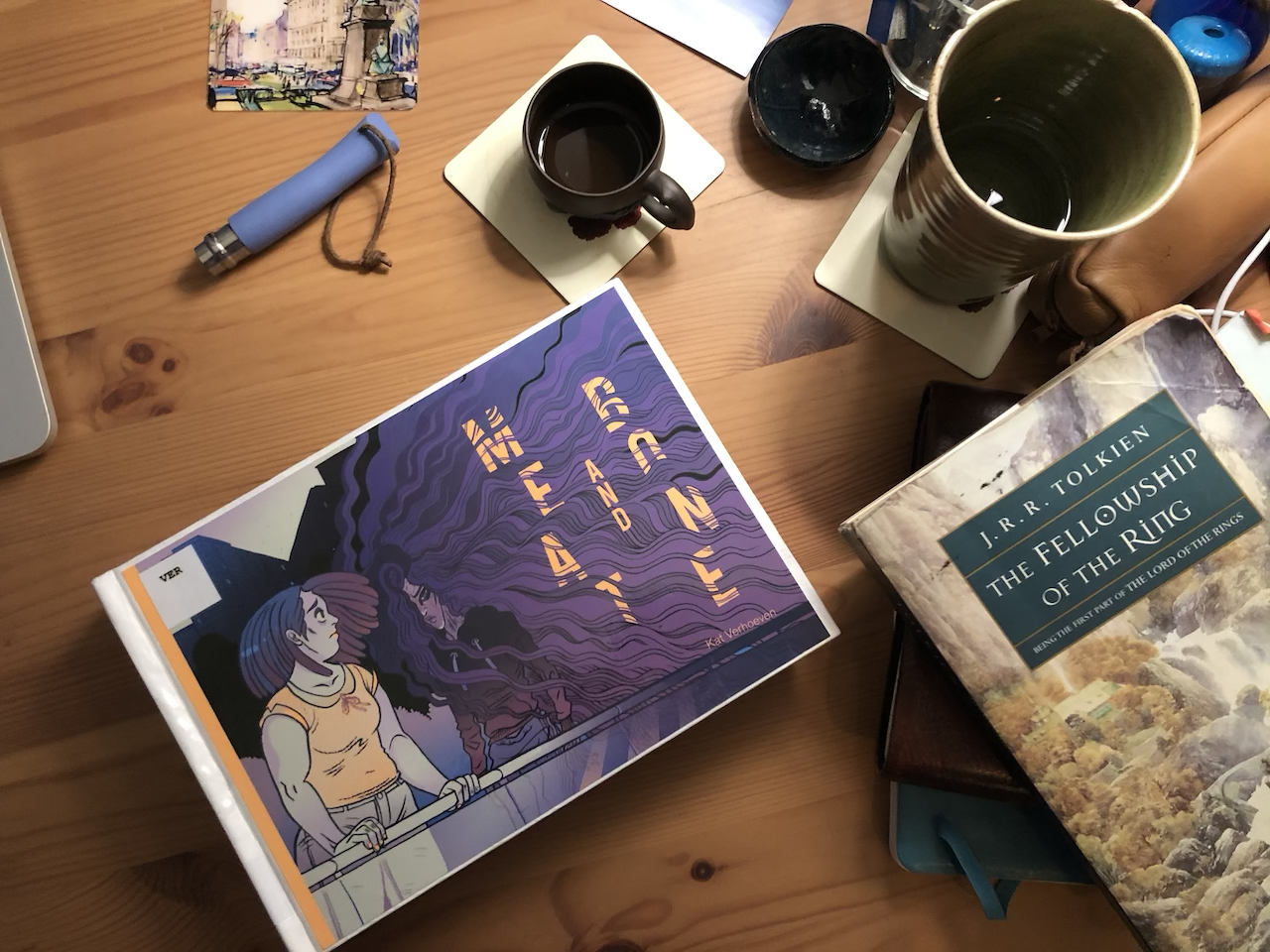 Drink tea and read comic books 2019.09.22